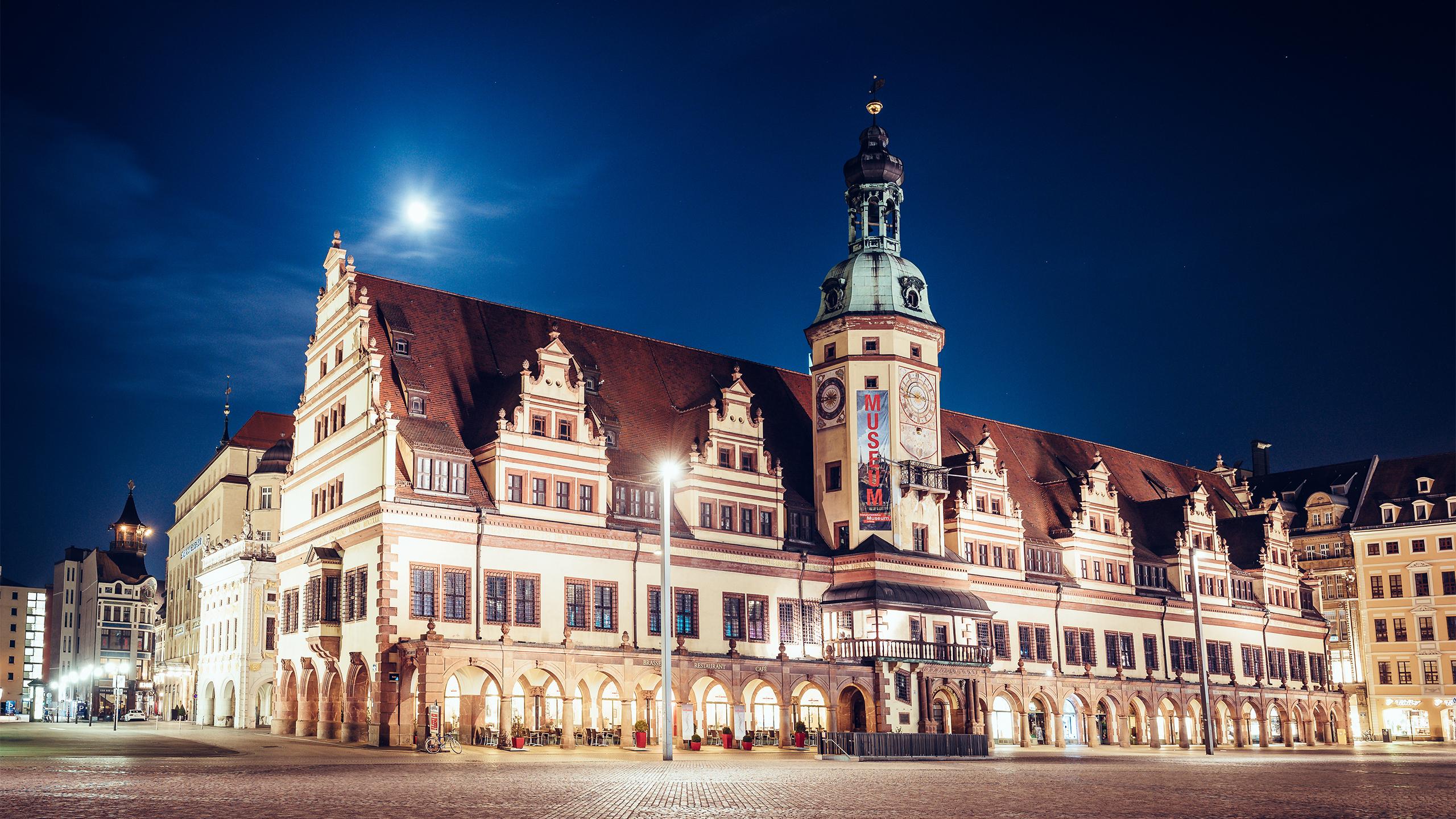 Leipzig Altes Rathaus bei Nacht